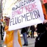 """Flash mob 2.3.2013, """"Flucht ist kein Cluburlaub"""""""